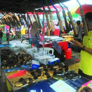 Farid, Penjual alat pijat saat wisuda