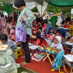 Lomba mewarnai di Salatiga Islamic Expo