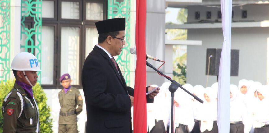 Rektor IAIN Salatiga Berikan Kejutan dengan Membacakan Puisi