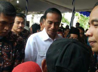 5.781 Warga Kota Salatiga dan Kabupaten Semarang Menerima Sertifikat Tanah dari Presiden Jokowi